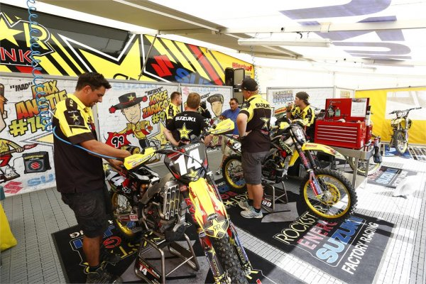 mxgp-loket-2013-photo-by-suzuki-racing